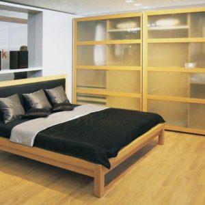 Brik Kremnica, posteľ Tanya, dizajnový moderný nábytok na mieru. Posteľ s koženým čalúneným čelom.