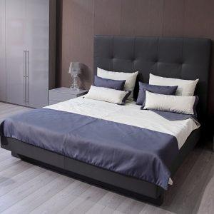 Dizajnová čalúnená posteľ INFINITO, s vysokým čelom. Kožená, Brik kremnica