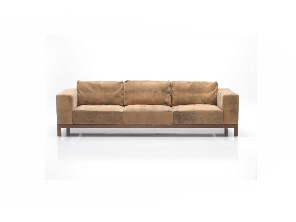 Hnedá kožená sedačka Lemra, Brik Kremnica, masívne nohy, mäkké vankúše, dizajnová