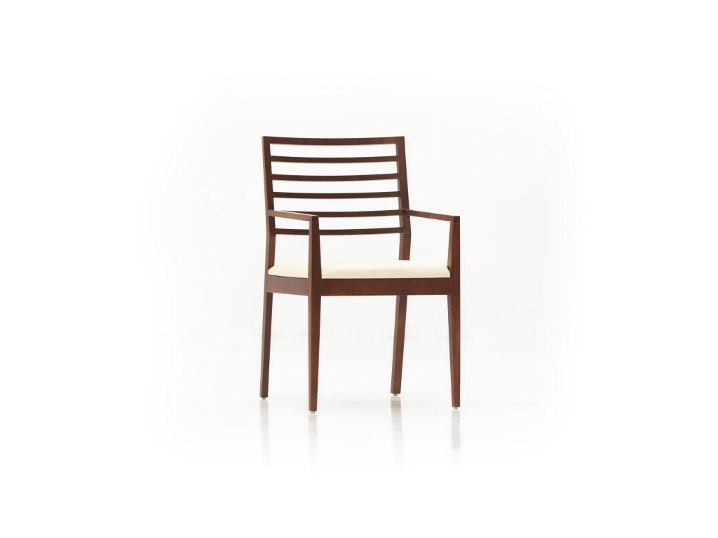 Jedálenská stolička s podrúčkami ESTA EP1, čalúnený podsedák, masív DUB , Brik Kremnica