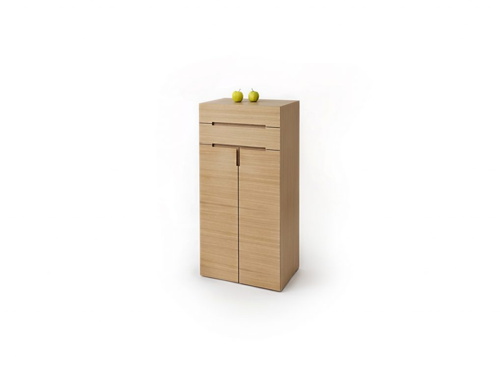 Dizajnová vysoká komoda PURA 3 v prevedení dub alebo buk, so zásuvkami, BRIK Kremnica