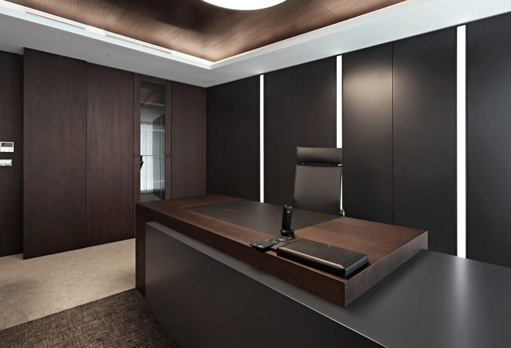 BRIK Kremnica, refeencie kancelársky nábytok, dub , obklady stien