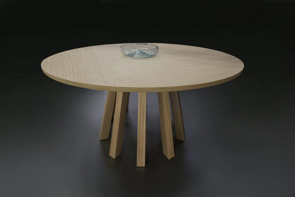 jedálenský okrúhly stolík , BRIk Kremnica